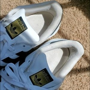 adidas Shoes - Adidas Superstar shoes size 8
